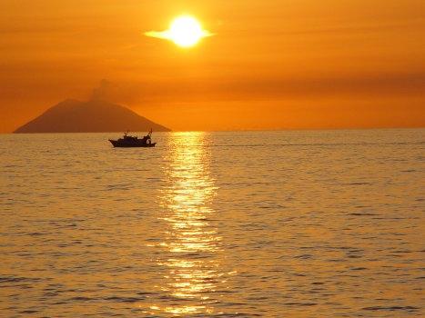Isole Eolie: come arrivare da Tropea in minicrociera ...